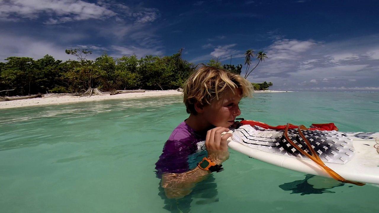 インドネシアやフランスでサーフする11歳のサーファー:キリアン・ゲリン