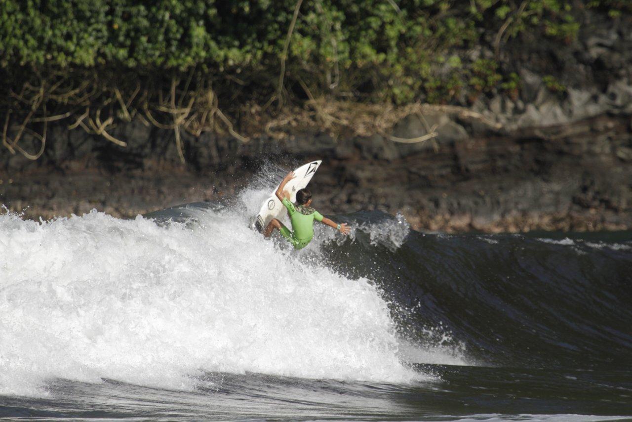マウイ島から世界を目指す11歳の若手サーファー:ジャクソン・バンチ