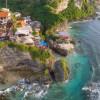 断崖絶壁のバリ島ウルワツの空撮映像