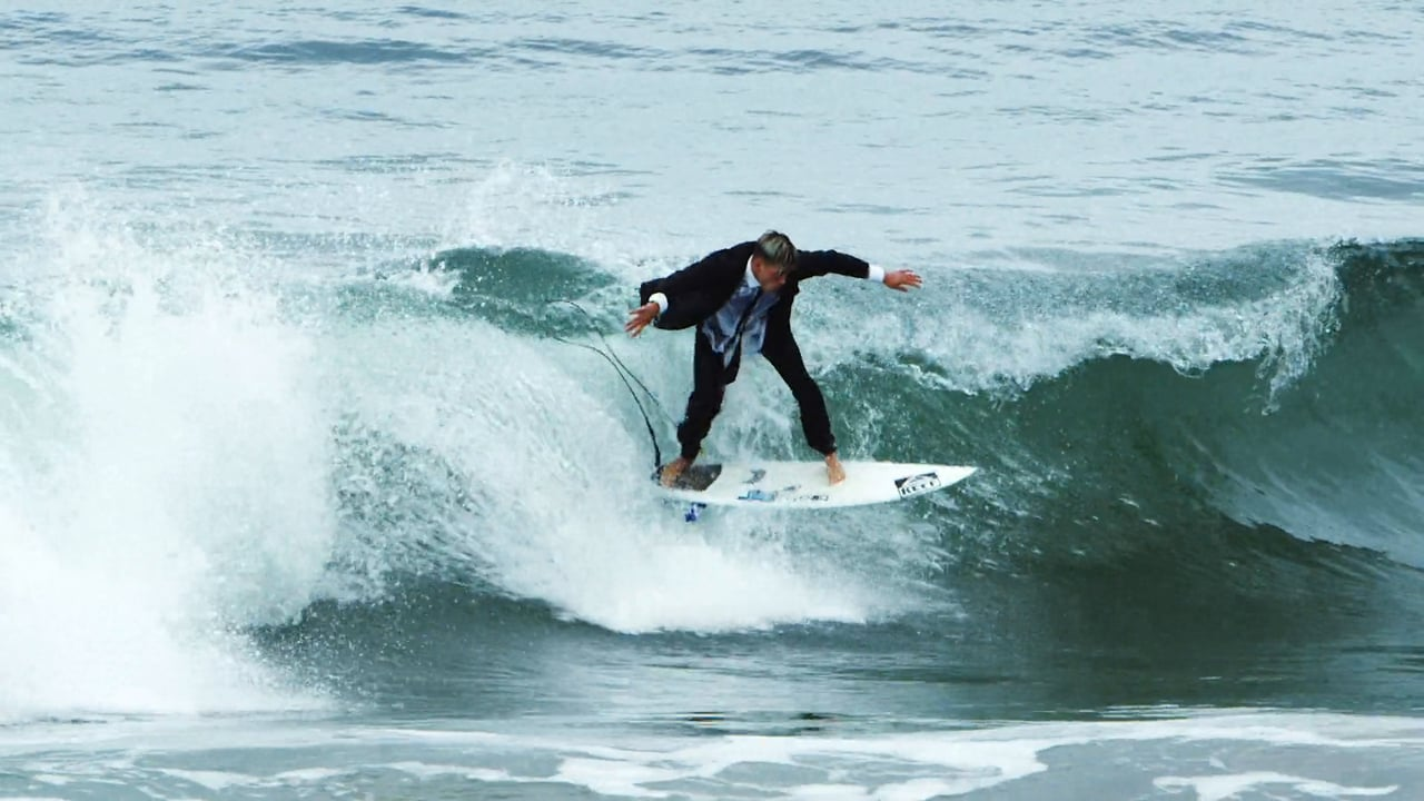 水陸両用ではない普通のスーツでサーフィン:ニック・ローザ&ルーク・デイヴィス
