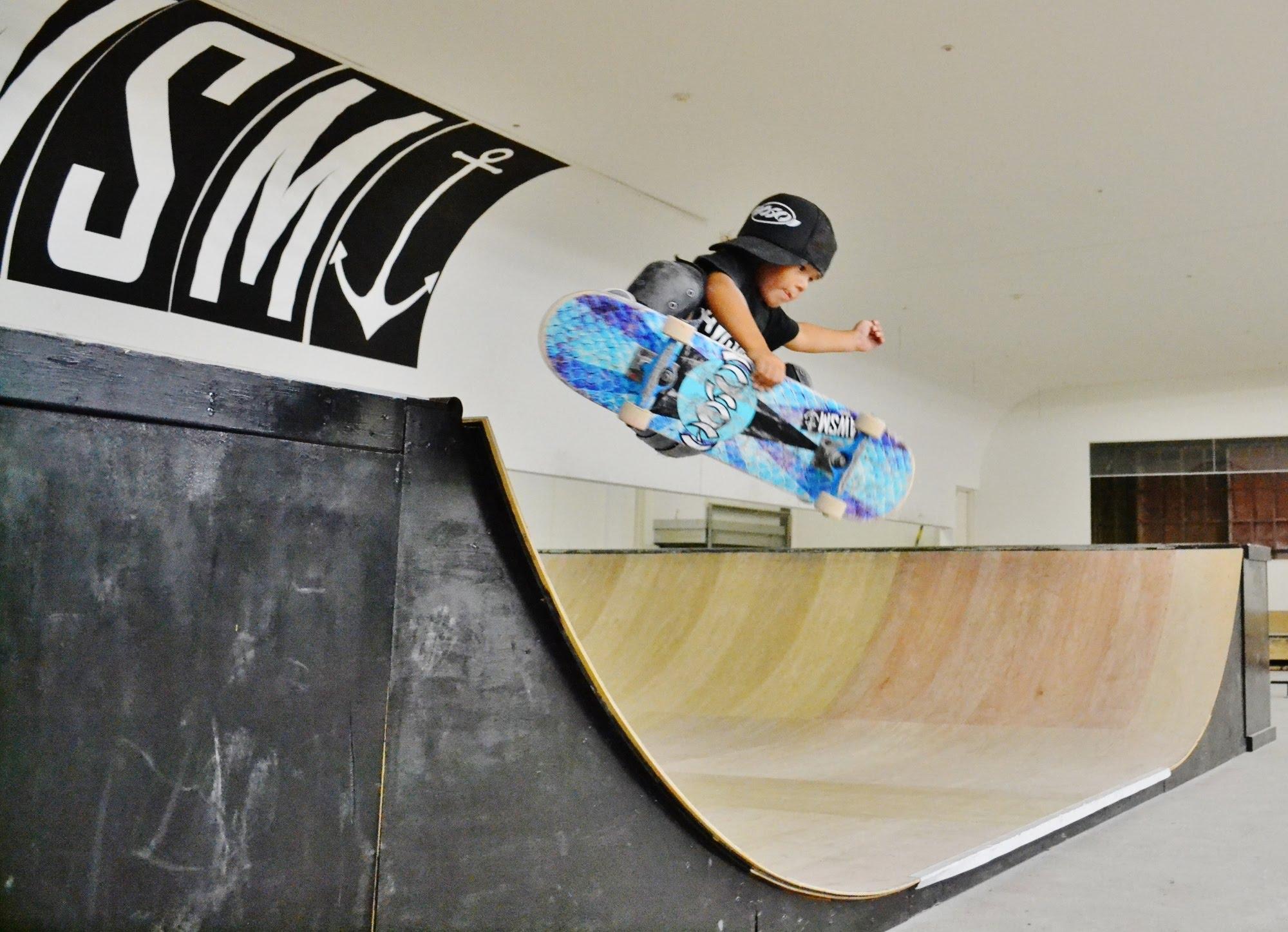 スカイ(7歳)&オーシャン(3歳)のスーパーキッズ×スケートセッション@宮崎