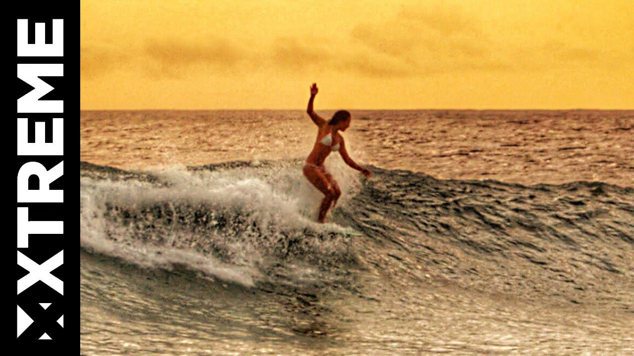 ケリア・モニーツがオアフ島ワイキキで過ごした過去を振り返るライフスタイル動画