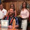 エヴァン・ガイゼルマンを救助したアンドレ・ボタがホノルル市長から表彰
