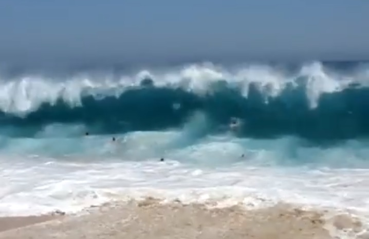 Hawaii Heavy Shorebreak