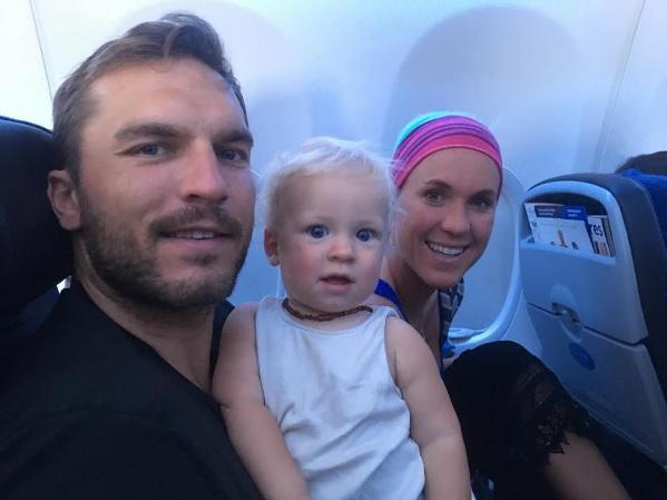 家族とフィジーに向かうベサニー・ハミルトン