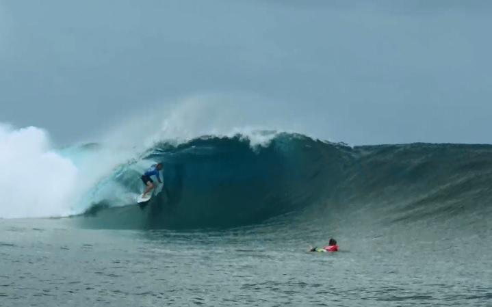2016 Billabong Pro Tahiti trial