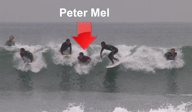 激混みローワーズ(南カリフォルニア)でピーター・メルは波に乗れるのか?