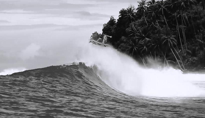 セス・モニーツなど若手5名がインドネシア奥地で見せた最先端サーフィン