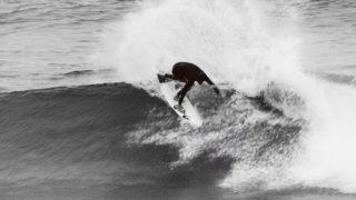 現WQSランクトップのジェシー・メンデスによるフリーサーフィン@カリフォルニア