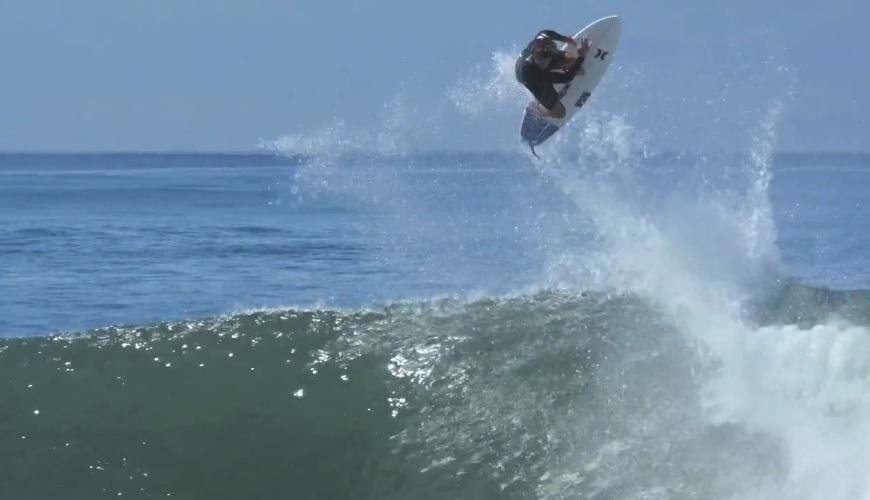 <必見>ジュリアン・ウィルソンがフィジーやバリで見せた最先端サーフィン満載の最新動画