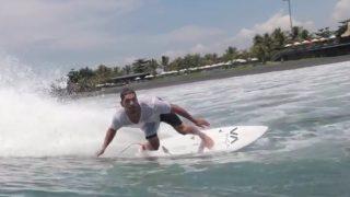 ジェイ・デイヴィスとローカルによる雨季のバリ島(インドネシア)クラマスセッション