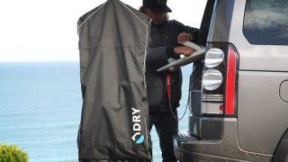 使用後のウエットスーツの扱いが劇的に楽になる専用バッグ「Dry Elite」