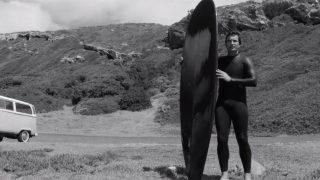 ケルプだらけの海で貸切サーフする方法!ホットカールのフィンレスボード