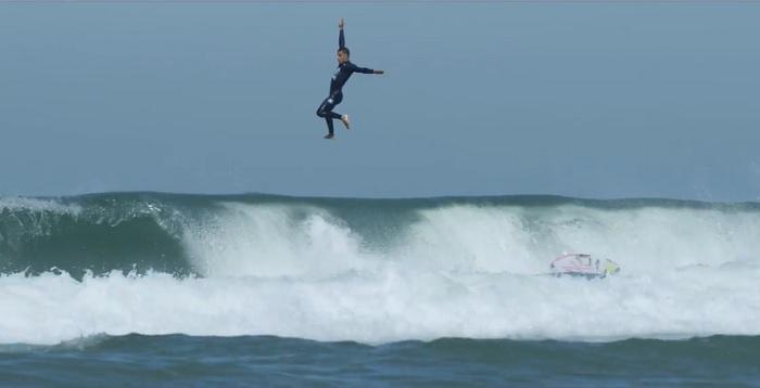 小波トウインセッションも含むフィリペ・トレドのフリーサーフ動画@ブラジル