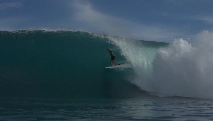 マテウス・ハーディが初インドネシアトリップ!バリ島やスンバワ島でのフリーサーフ動画