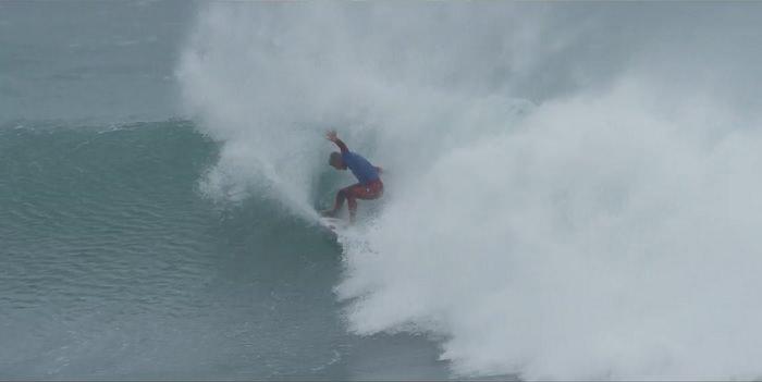 フィリペ・トレドによるエアーとパワー融合のハイブリッドサーフィン!Jベイ優勝の軌跡