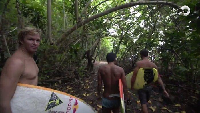 バレルを求めてジェイミー・オブライエンが南太平洋のアメリカ領サモアへ