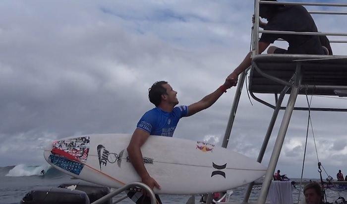 ビラボンプロタヒチ優勝のジュリアン・ウィルソン使用のサーフボードとフィンセッティング