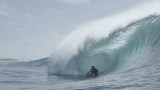 パイプのような波までブレイクするサウスコースト!チームオニールのAUSトリップ動画