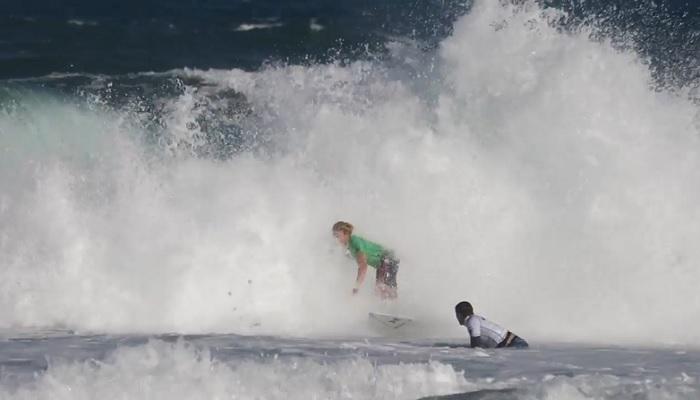 フィリペ・トレドが来季CT入りサーファーを激励!?ハワイアンプロのバックステージ
