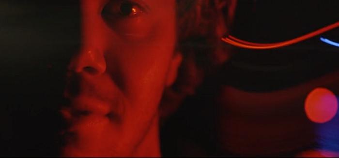 まるでホラー映画!ジョーディ・スミスのナイトサーフィン動画@サーフ・スノードニア