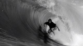 インドネシアのテロ諸島!カイ・ヒンのフリーサーフィン動画