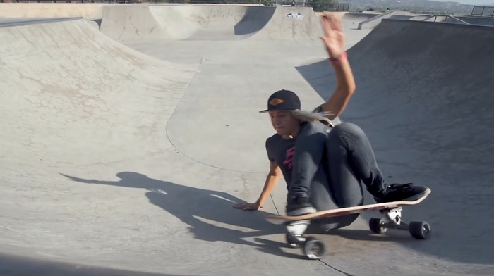 カーバースケートボードを使った陸上イメトレ動画!米国サーフチーム編