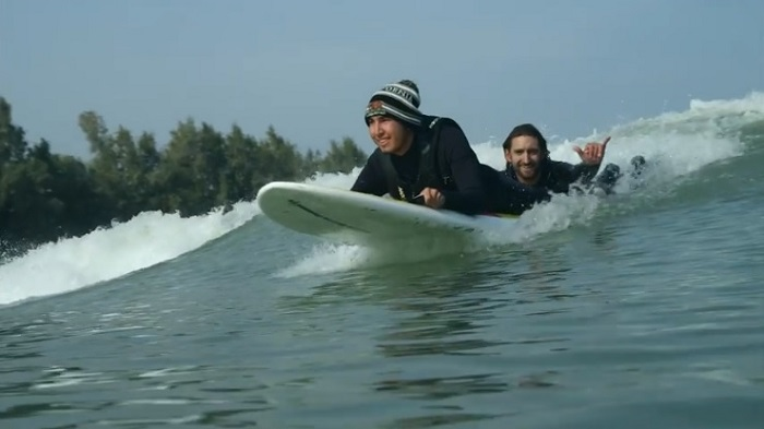 笑顔一杯のウェイブプール「サーフ・ランチ」!障がいがあろうとサーフィンを楽しめる時代に