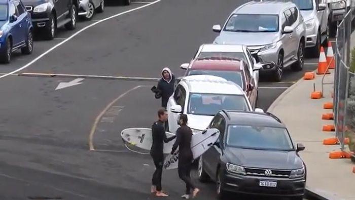 前乗りしたジェシー・メンデスがマイキー・ライトに詰め寄る一触即発動画