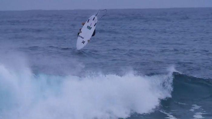 パイゼルによる夏の小波パフォーマンス「グレムリン」:コア・スミスのテスト動画