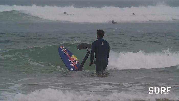 やっぱり凄い!カイ・レニーのフランスでのフォイルサーフィン動画