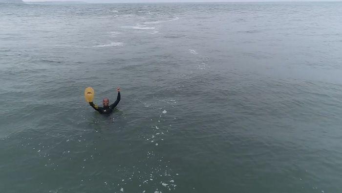 トリプルオーバーヘッドのナザレ!驚異のボディサーフィン動画