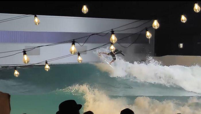 ウェイブガーデンのナイトサーフィン!欧州サーファーのテスト動画