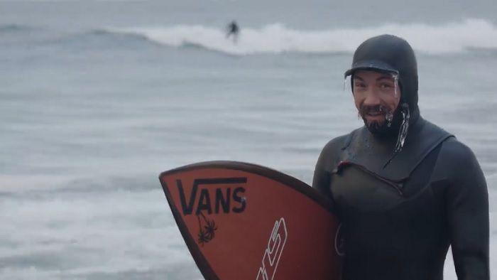 ウインターストームが湖に波を!ディラン・グレイヴスの五大湖サーフ動画