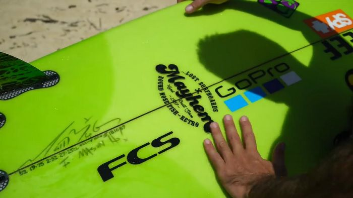 メイソン・ホーが乗る極小RNF:ハワイでのフリーサーフィン動画