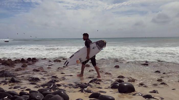 アフリカへのサーフトリップ動画!イタロ・フェレイラのオフシーズン