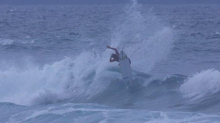 クレイ・マルゾの18/19年シーズンのマウイ島でのフリーサーフィン動画