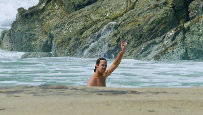 ジョーディ・スミスがメキシコへ!バレルのライトハンダーセッション動画