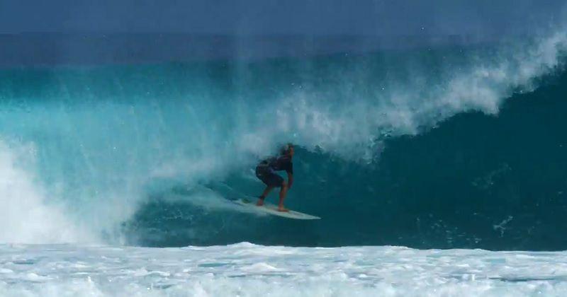 インドネシアであえて小波ボード!ウィリアム・アリオッティのフリーサーフ動画