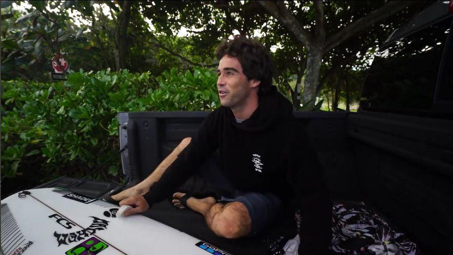 レアなサンドバンクが誕生したオアフ島!メイソン・ホーのフリーサーフ動画