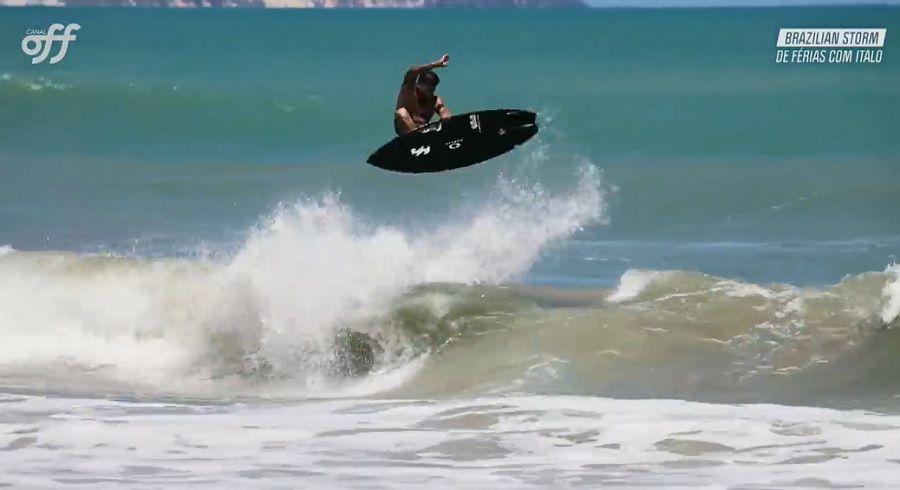 オリンピックでの活躍が目に浮かぶイタロ・フェレイラの小波サーフィン動画