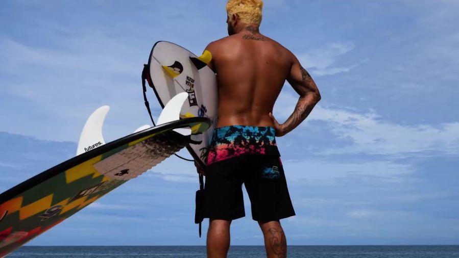 CT初戦キャンセルで急遽ハワイへ!イタロ・フェレイラのフリーサーフ動画