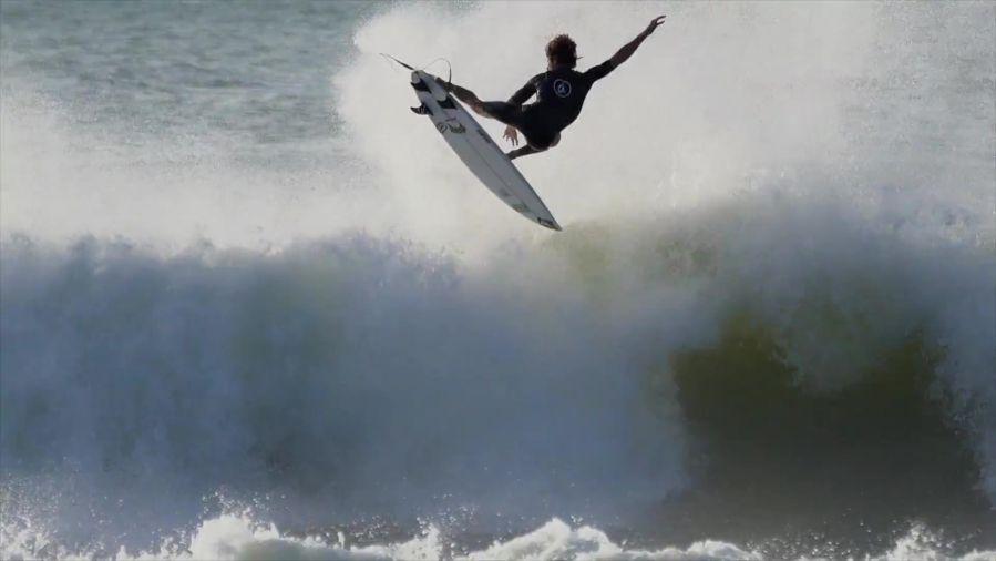 ブラジル南部で一週間撮影!ヤゴ・ドラのフリーサーフィン動画