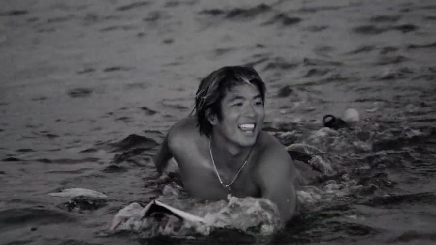 五十嵐カノアがハワイとタヒチへ!最新フリーサーフィン動画