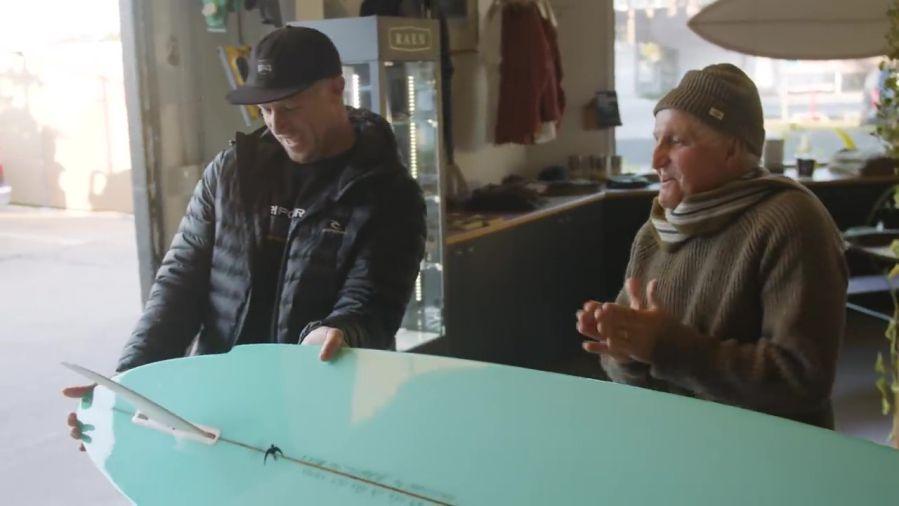 ミック・ファニングによるレノックスヘッド仕様ボードでのテストライド動画